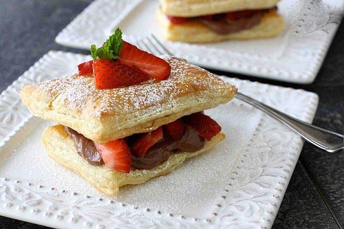 چگونه پودر قند درست کنیم طرز تهیه شیرینی ناپلئونی با طعم توت فرنگی