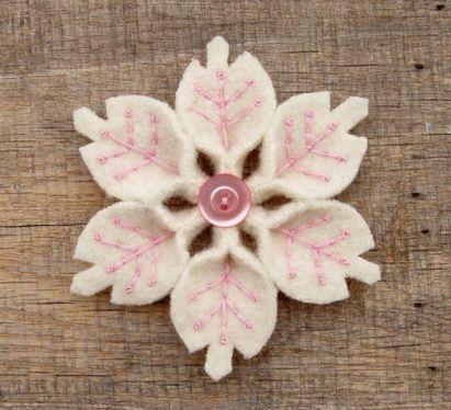 عروس داماد قلاب بافی مدل گلهای بافتنی