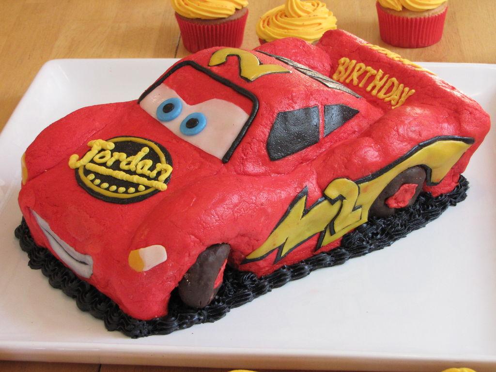 کیک تولد طرح ماشین