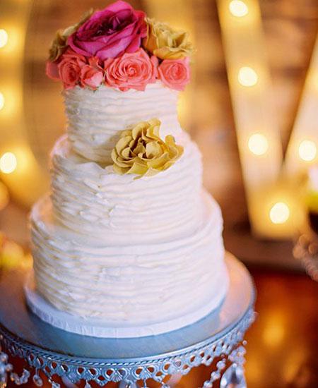 کیک عروسی با گل های طبیعی,تزیین کیک عروسی با گل های طبیعی