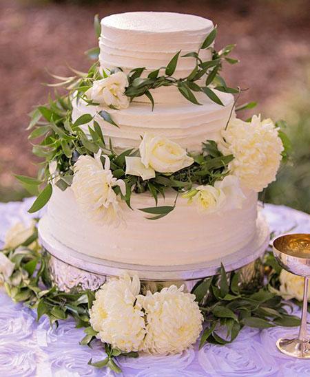 کیک عروسی با گل های طبیعی, تزیین کیک عروسی با گل های طبیعی