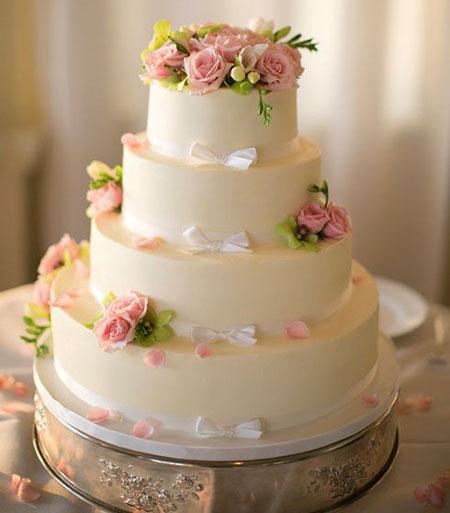 گل های طبیعی و تزیین کیک,تزیین کیک عروسی