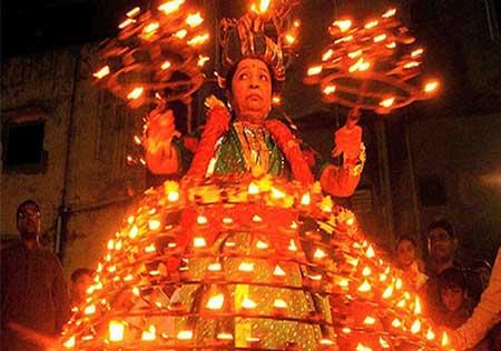 جشنواره ناواراتری در هندوستان