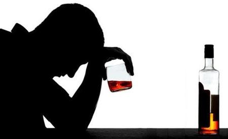 مشروبات الکلی,اعتیاد به الکل,عوارض اعتیاد به الکل
