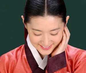 چرا زندگی در کشورهای شرق آسیا لذت دارد یانگوم (بازیگر سریال جواهری در قصر )